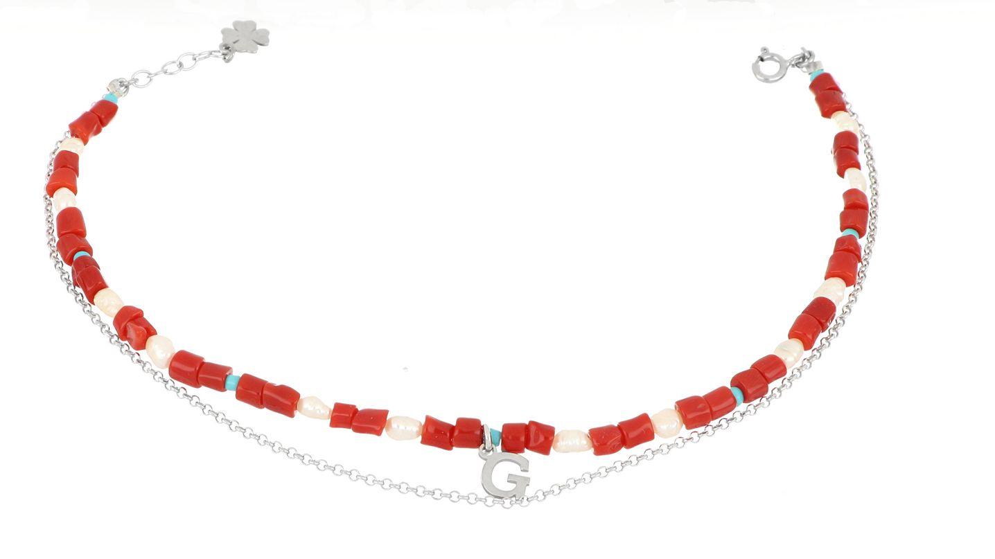 Cavigliera con iniziale in corallo, perle, turchese – Momaq